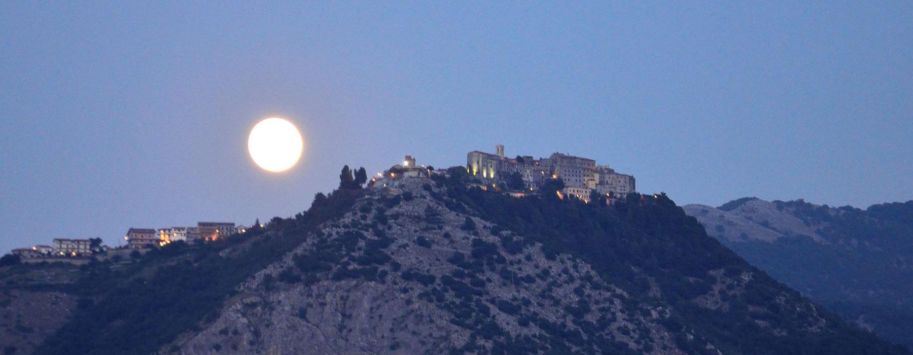 Rocca Massima: ein altes Dorf mit atemberaubender Aussicht